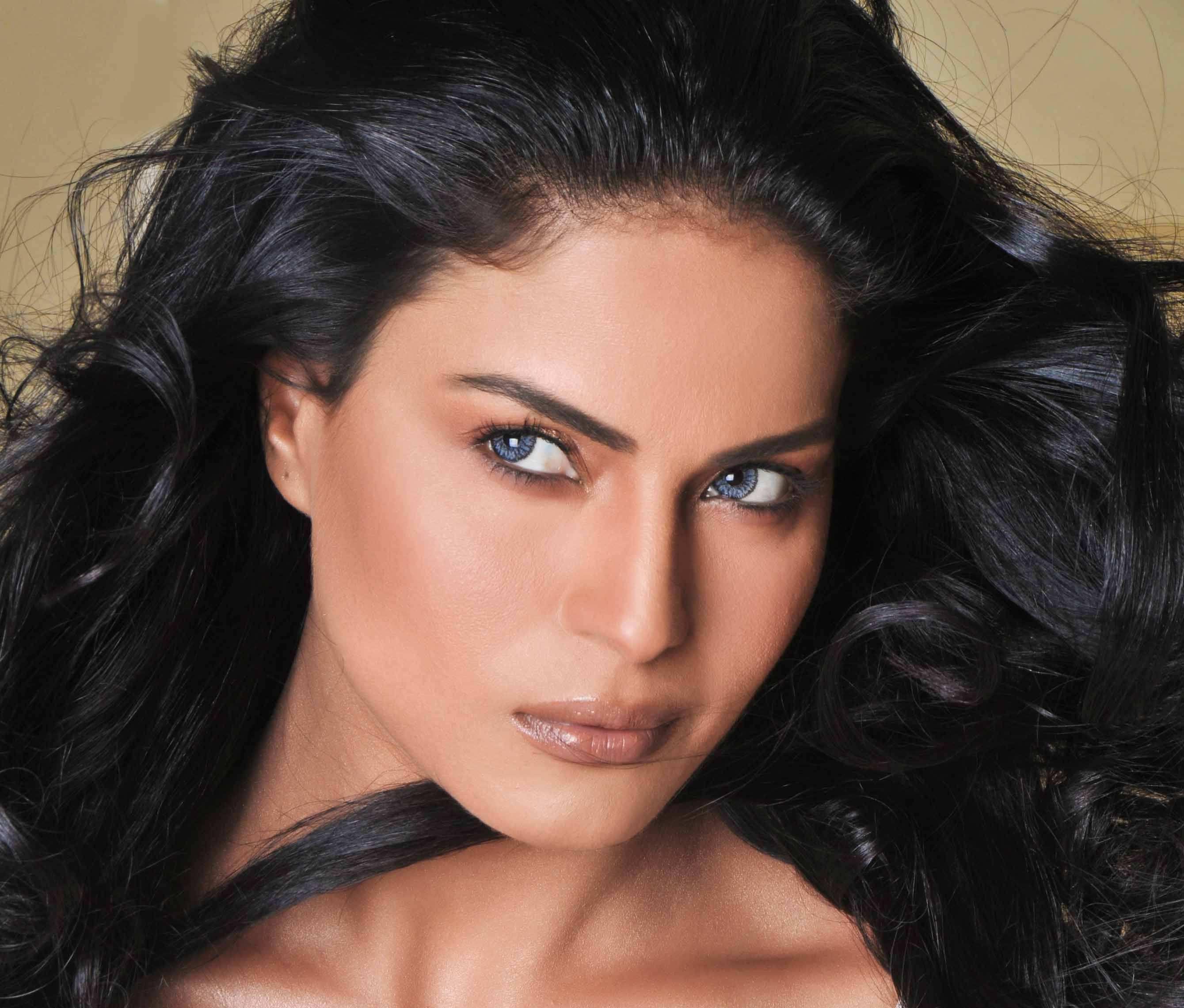 Veena Malik Latest Hot Stills Veena Malik Latest Hot Stills Read More