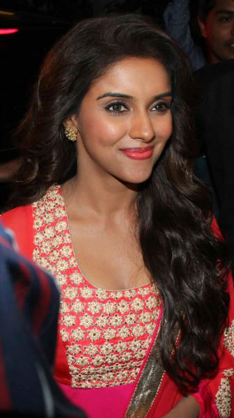 Ghajini Actress Asin Latest Images Gallery | Filmy365