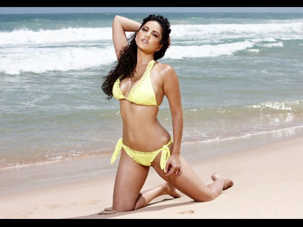 Top 5 Bikini Babes of Bollywood in 2012 - Oneindia Entertainment