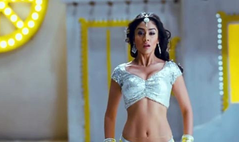 Shriya Saran - Hot Images - cutmirchi.