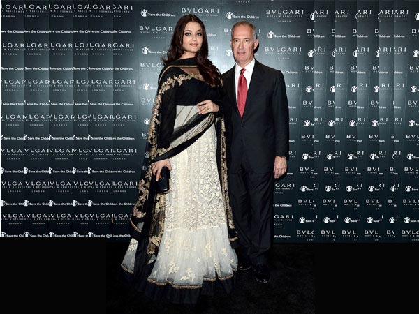Celebrities In Sabyasachi Mukherjee Outfits - Oneindia Boldsky
