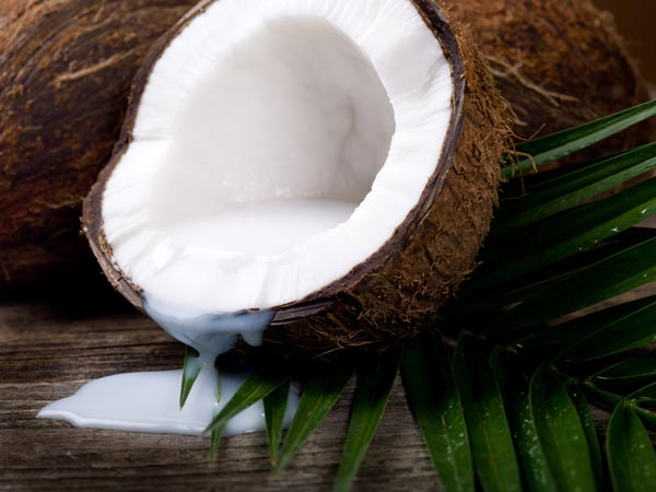 Treat Hair Fall With Coconut Milk - Oneindia Boldsky