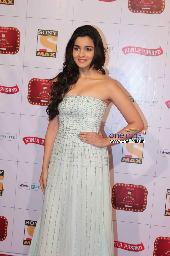 Alia Bhatt | Stardust Awards 2013 | Stardust Awards 2013 Red Carpet | Stardust Awards 2013 Event - Oneindia Gallery