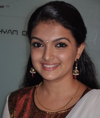 South actress Saranya Mohan is all set to make her Bollywood entry.She
