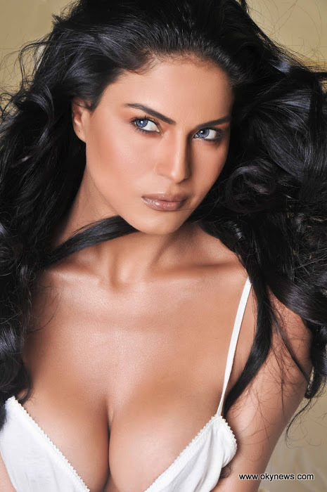 Veena Malik Latest Stills Bolly And Holly Veena Malik Latest Stills