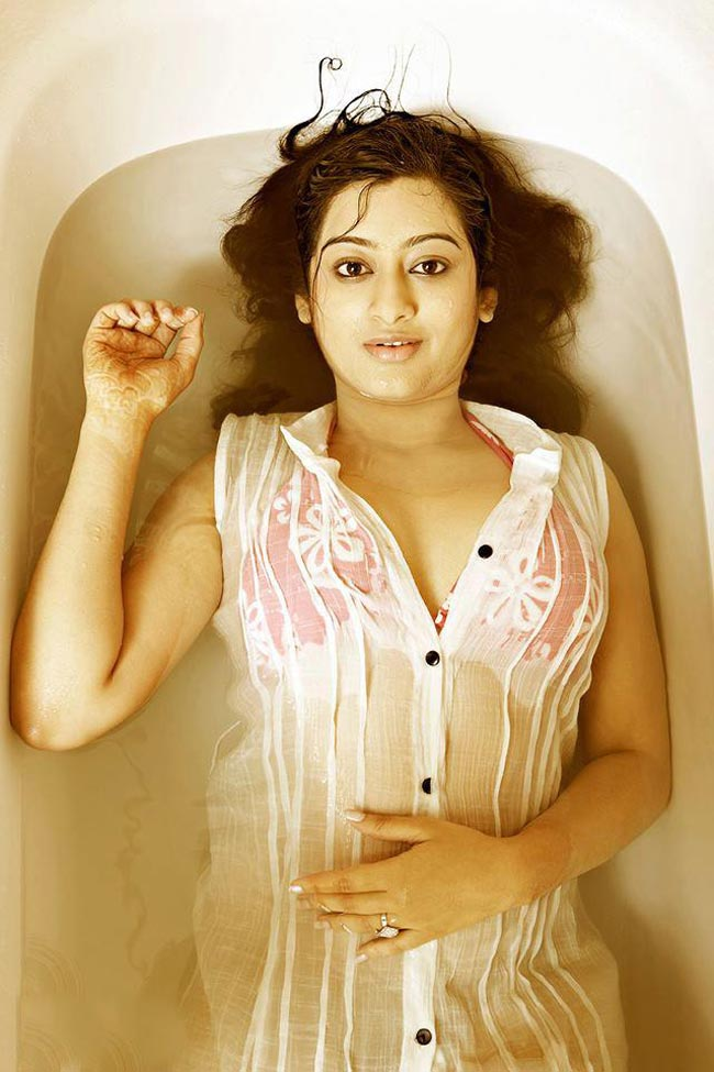 Tejaswini Latest Hot Photos ~ Cinemaawood - cutmirchi.com