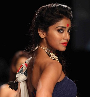 Shriya Saran Latest Hot Photos at Lakme Fashion Week ~ Cinemaawood ...
