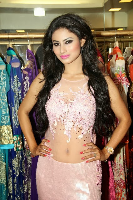 Serial Actress Mouni Roy Latest Hot Navel Show Photos - Hot Blog Photos