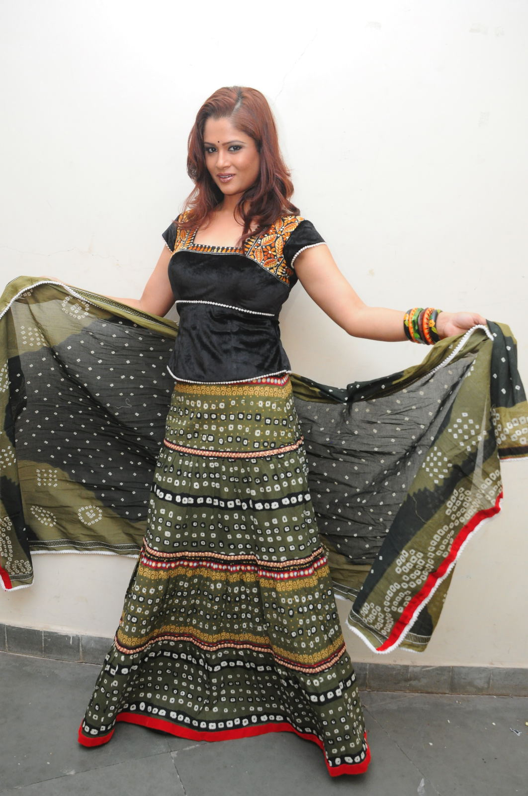 Shilpa Chakravarthy Latest Photo Shoot Stills | infosamay.com