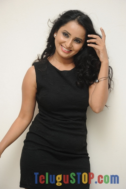 Ishika-Singh-Latest-Photos
