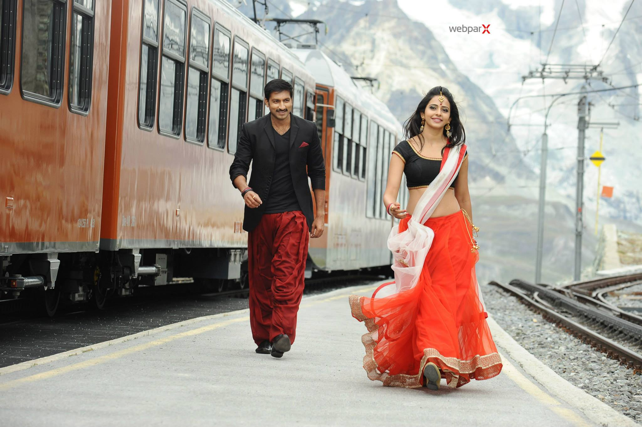 Rakul-Preet-Singh-and-Gopichand-Romantic-Photos-Loukyam-Movie-2014