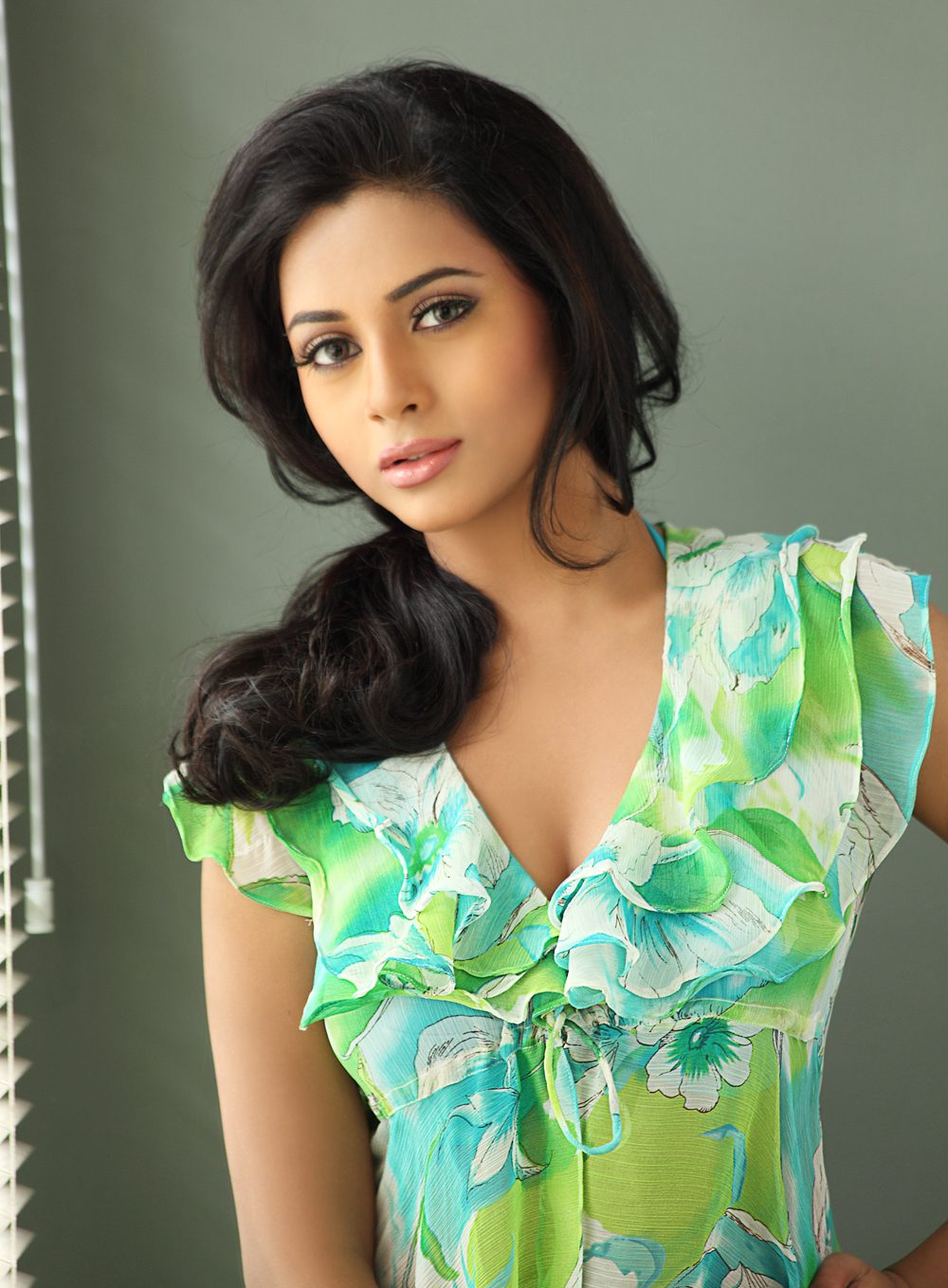 SouthGilma.com - Hot Pics | Hot Celebrity Photos | Hot Actress Images | Heroines hot Stills