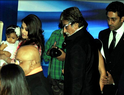 Amitabh-Bachchan-visits-Granddaughter-Aaradhyas-schooll