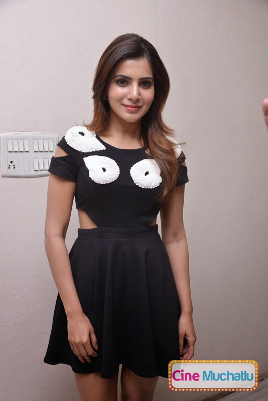 Samantha-Latest-Photos-in-Black-Mini-Skirt