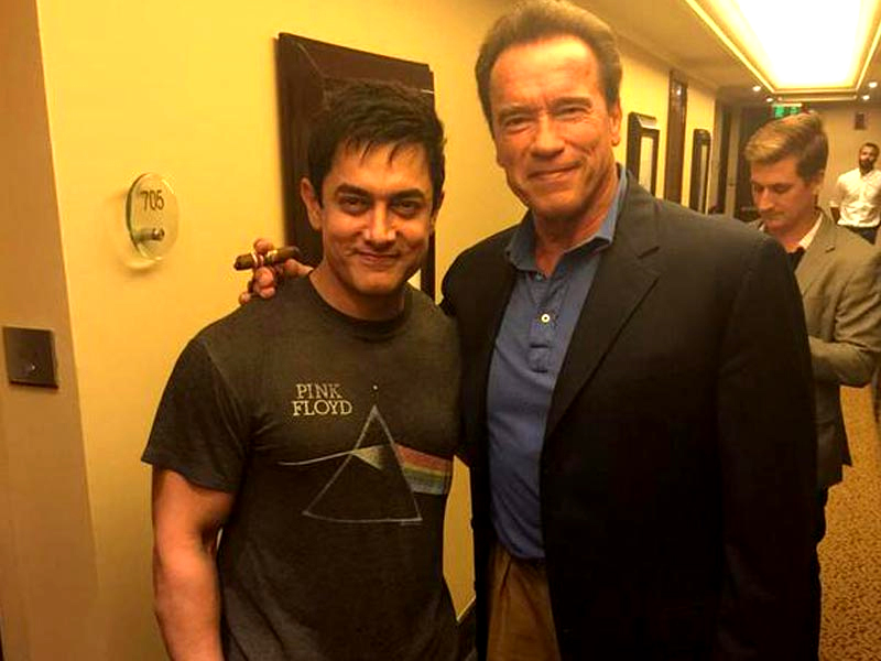 Arnold-Schwarzenegger-walked-in-to-Aamir-Khan-Room