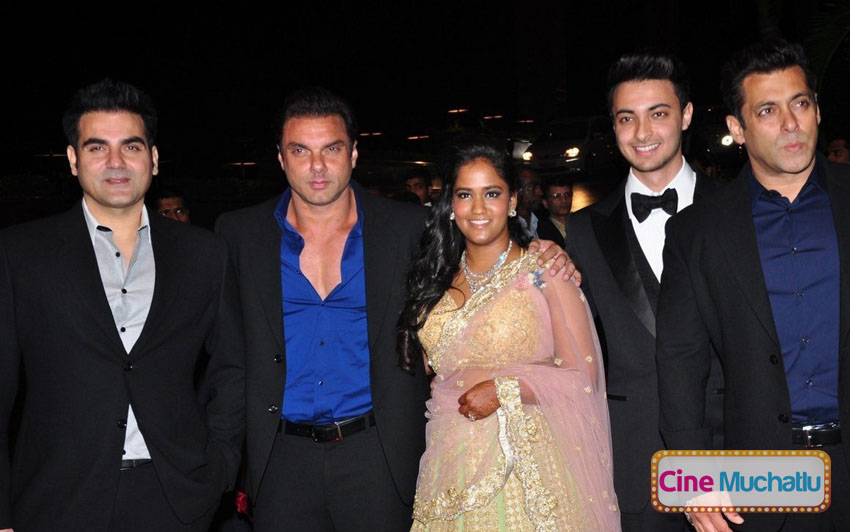Celebrities-at-Arpita-Khan-Wedding-Reception
